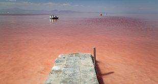 سرخی دوباره دریاچه ارومیه در تابستان