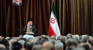 رهبر  انقلاب: تصور حل مشکلات از راه مذاکره یا رابطه با آمریکا خطایی واضح است