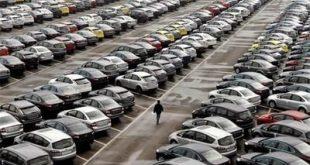 محتکران خودروها را به بازار عرضه کردند/ قیمتها کاهش یافت