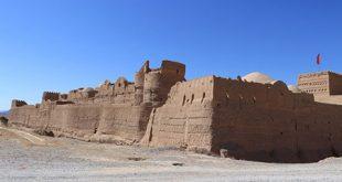 قلعه سریزد؛ یکی از بهترین گزینههای سفر برای علاقهمندان به تاریخ و معماری