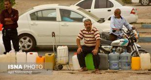 روستاییان فارس در صف خرید آب؛ ۲۰ لیتر ۴۰۰ تومان
