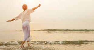 چرا لازم است گاهی با خودمان خلوت کنیم؟ از فواید شگفت انگیز تنهایی