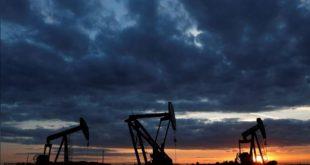 قیمت نفت که به ۸۷ دلار نزدیک شده بود ۲ درصد کاهش یافت