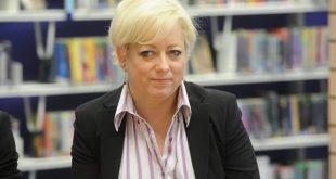 «ترزا می» وزیر پیشگیری از خودکشی منصوب کرد
