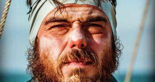 مردی که دورتادور بریتانیا را شنا کرده است/ تصاویر