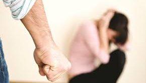 معاون قوه قضاییه: زندانی کردن مرد کمکی به زن نمیکند