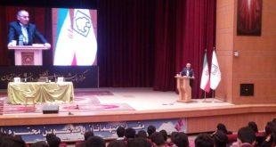 زیباکلام: مهترین مساله جامعه امروز ایران، کمرنگ بودن دموکراسی و آزادی است