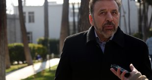 واکنش واعظی به پیشنهاد یارانه ۹۰۰ هزار تومانی از سوی احمدینژاد