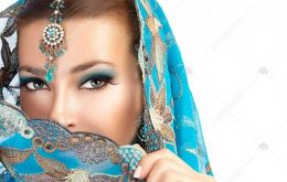 ۱۴۲۱۳۸۶-زیبایی-قومی-زن-هندو-زیبا-با-لباس-های-سنتی-جواهرات-و-آرایش