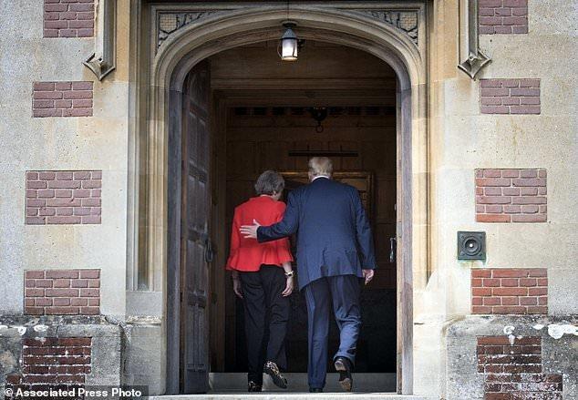 ترامپ: روابطمان با انگلیس بسیار بسیار قدرتمند است