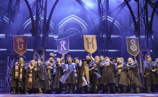 تماشای «هری پاتر» روی صحنه تئاتر به قیمت ۵۵۳ دلار!