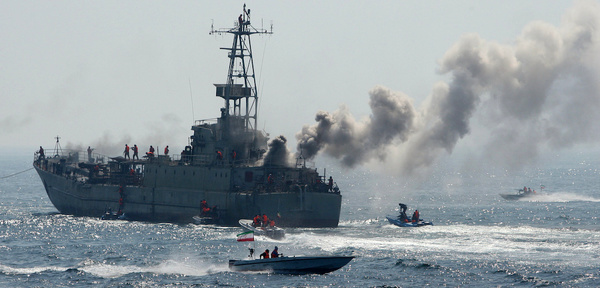 هشدار سیاستگذاران نظامی آمریکا به نیروی دریایی: مراقب عملیات قایقهای پرسرعت ایران در تنگه هرمز باشید