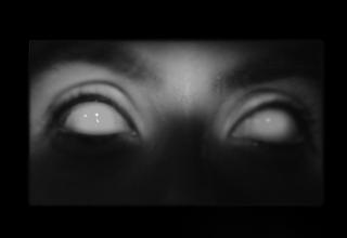 Photo of لوازم آرایشی که دنیا را در چشم یک زن تیره و تار کرد! (+تصاویر)