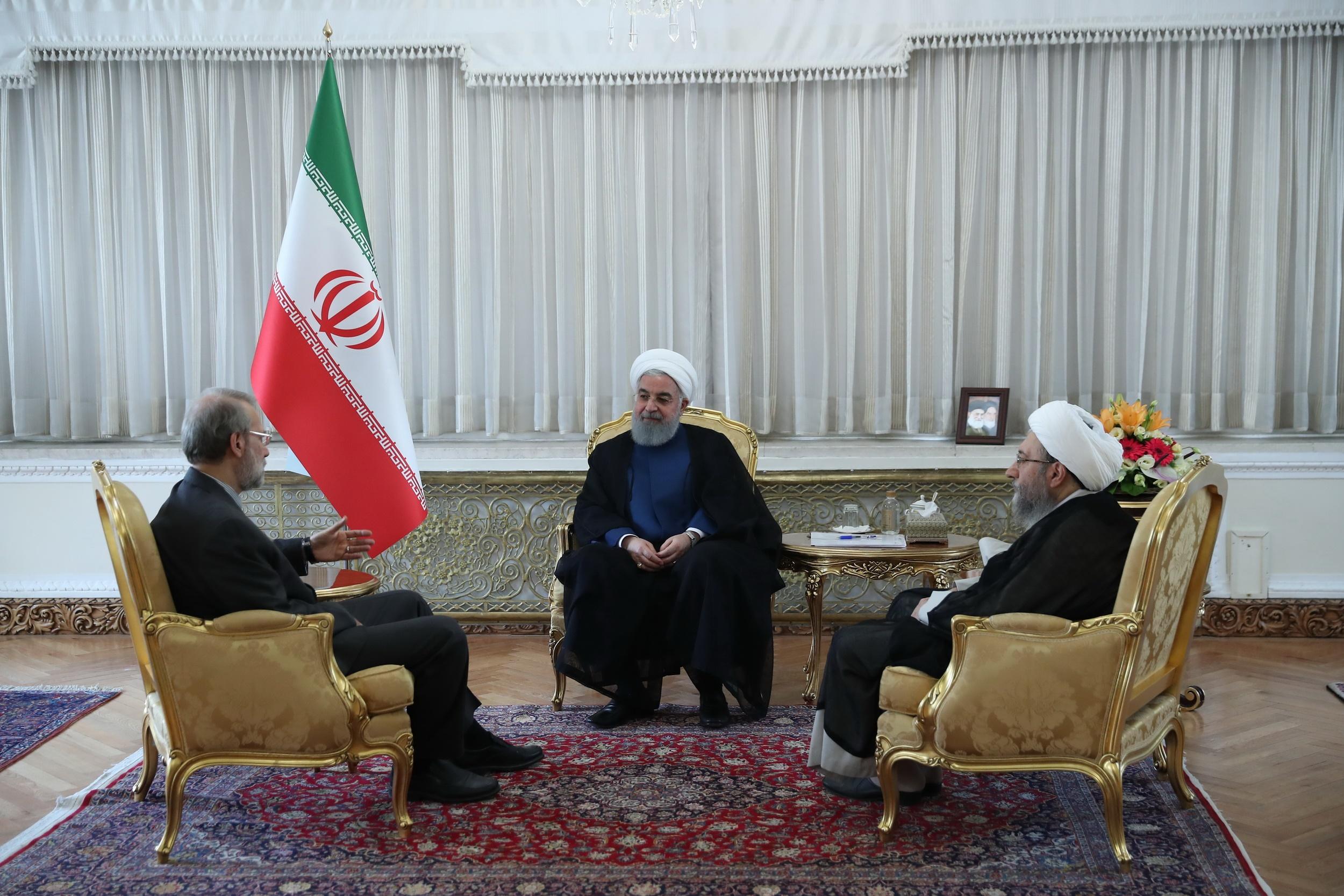 Photo of جلسه سران قوا به میزبانی رئیس جمهور