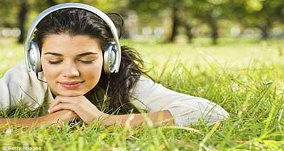 چرا موسیقی شاد، خاطرات خوب و موسیقی غمگین خاطرات بد را به یاد می آورد؟