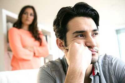 همسرم بدبین شده، چه کنم؟