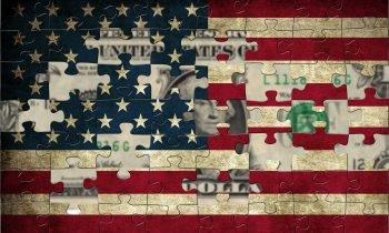 دلار خود قربانی اصلی سیاستهای آمریکا است