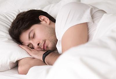 5 دلیل بیدار شدن از خواب در میانههای شب