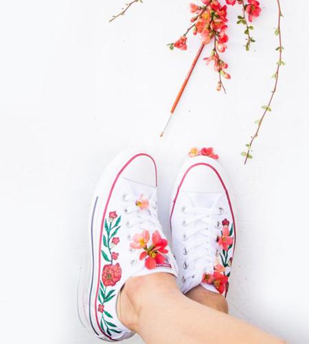 آموزش تصویری نقاشی روی کفش اسپرت