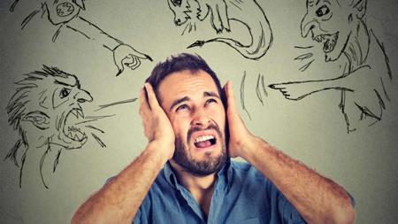 چرا بعضی ها در ذهن خود صداهایی میشنوند؟