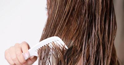 8 اشتباه رایج هنگام شستن مو که مو هایتان را نابود می کند!!
