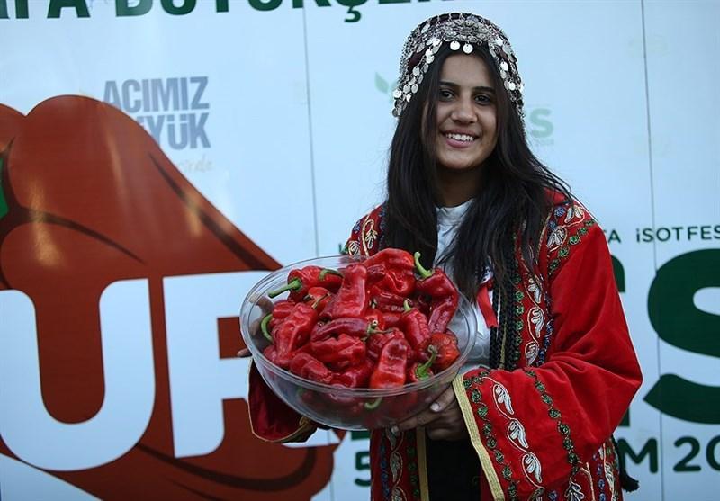 برگزاری مسابقه خوردن فلفل تند در اورفای ترکیه + عکس