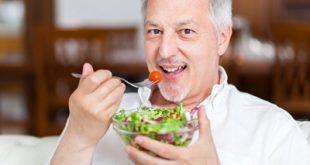 تغییراتی که پس از 40 سالگی باید در رژیم غذایی تان بدهید