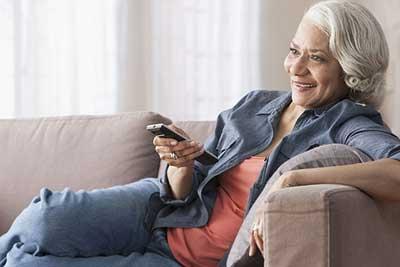 تماشای بیش ازحد تلویزیون در سالمندی قلبتان را به چالش میکِشد