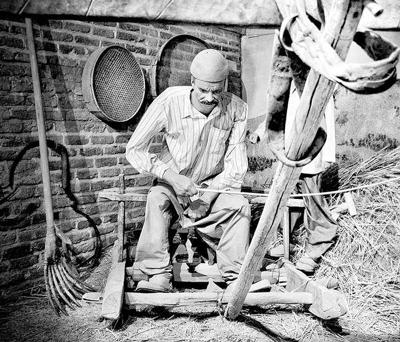 بررسی وضع کشاورزان و عشایر در دوره پهلوی اول